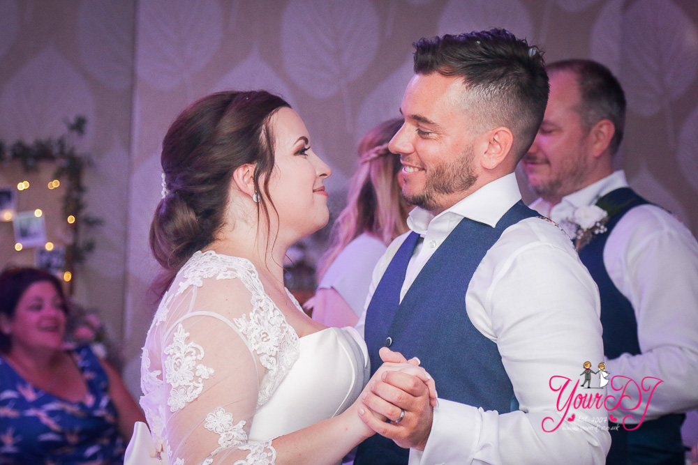 MOORHILL_HOUSE_WEDDING_DJ_NEW_FOREST_DJ-30