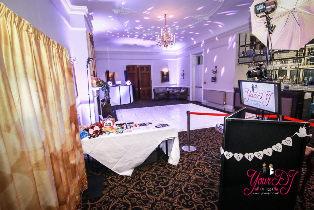 Rhinefield-house-dj-photobooth
