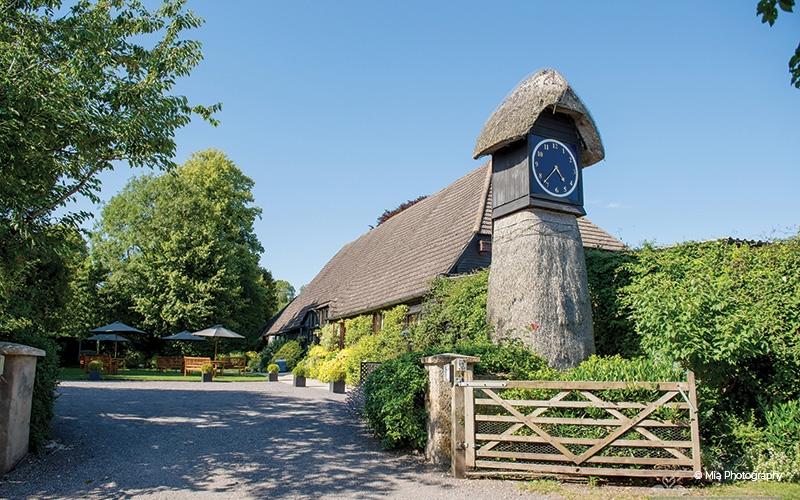clock-barn-wedding-DJ-Winchester
